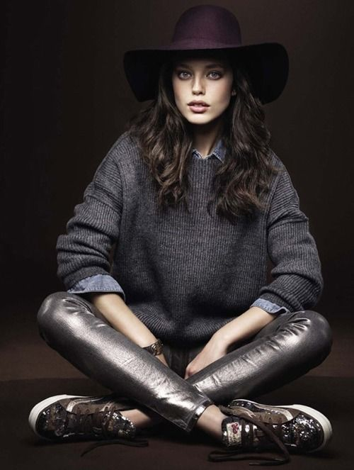 fall outfit idea - wool wide brimmed floppy hat