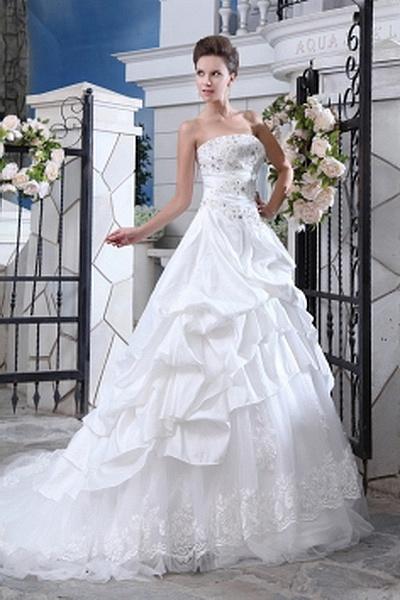 Une Ligne-Robe De Taffetas De Mariage Romantique rm0519 - http://www.robesmariees.com/une-ligne-robe-de-taffetas-de-mariage-romantique-rm0519.html - Décolleté: Bretelles. Tissu: Taffetas. Manche: Sans Manches. Couleur: Ivoire. Silhouette: Une Ligne. - 169