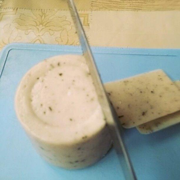 My #diy #vegan #mozarella #cheese with italian herbs. #домашняя веганская #моцарелла с травами. #plantbased #veganvideo #happycow #letscookvegan #wfpb #instavideo #meatismurder #nomilk #notyourmomnotyourmilk #vegaani #wegan #cowspiracy #greenplanet #veganchallenge #nomeatnoproblem #givemethatplant  @veganshares @food_glooby @veganvideos #plantcheese #nonviolence #stopanimalabuse #wow #look