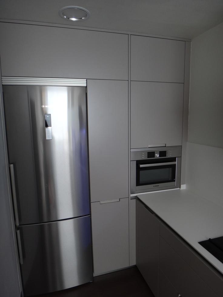 Cocina minos color 252 gris arena de santos con muebles for Techo cocina
