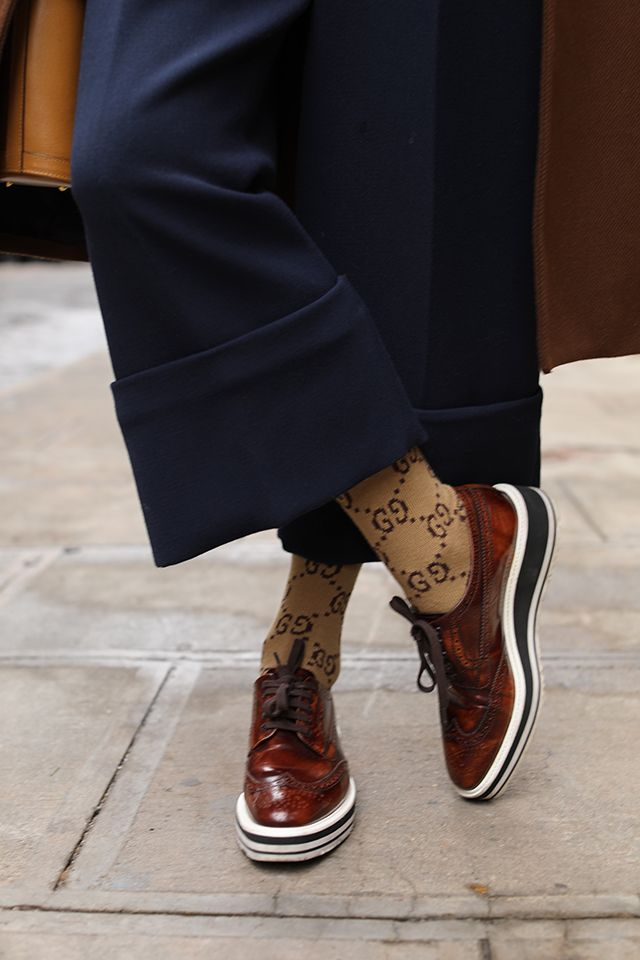 bb7ba14bfb9 Blair Eadie wearing Prada shoes and Gucci socks with her cropped wide leg  Halogen x Atlantic-Pacific pants    Click through for more fall weekend  looks and ...