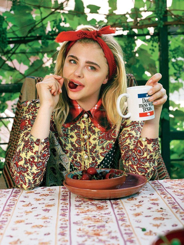 Chloë Grace Moretz for Teen Vogue / Read the Interview: http://www.teenvogue.com/story/october-cover-star-chloe-grace-moretz-talks-to-mentor-julianne-moore