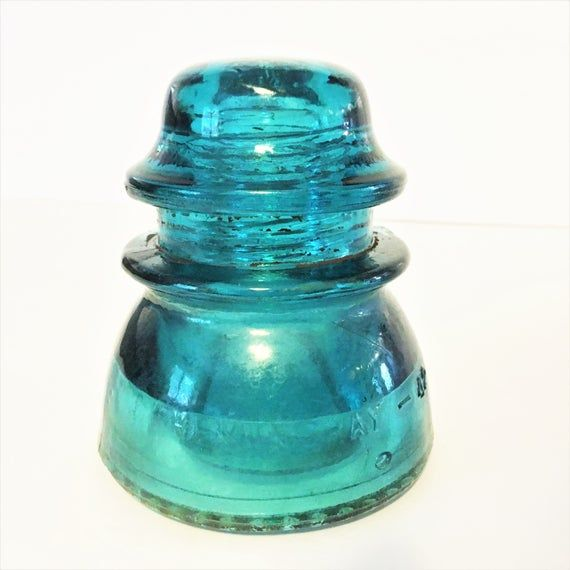 Hemingray 42 Glass Insulator With Drip Point Base These Collectible Glass Insulators Are Fun To Collec Glass Insulators Antique Glass Bottles Glass Collection