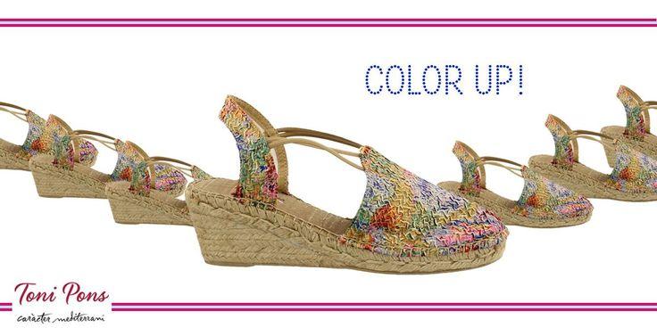 Geef je outfit meer kleur deze zomer en ga voor deze Trento Multi van Toni Pons.  Heerlijk lopen op een subtiele sleehak.