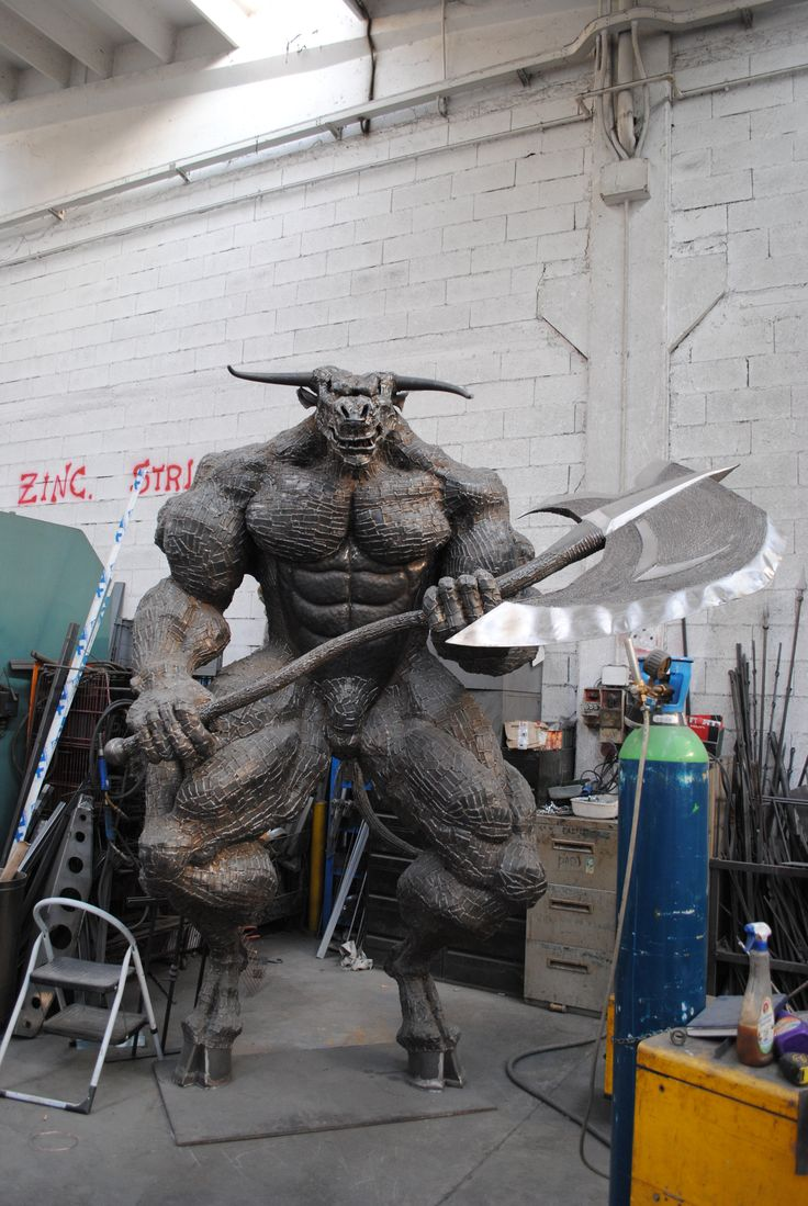 My brothers work. He is a smith in Brescia Italy. Height 3,60 m, weight 1200 kg