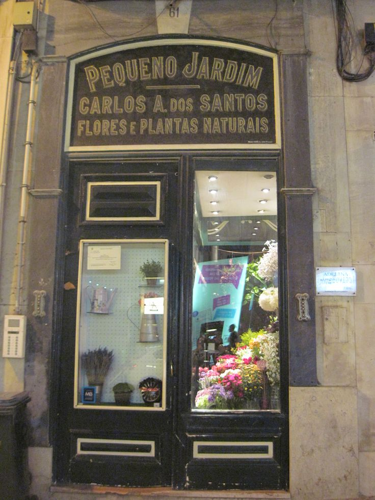 The smallest flower shop in Garrett Rua in Lisbon...hard to enter it.. orders from the sidewalk!