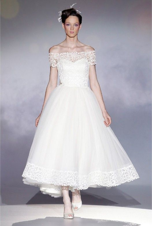17 best images about wedding gowns on pinterest taffeta for Vera wang tea length wedding dress