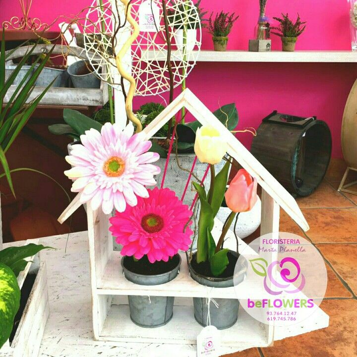 Casitas con encanto flores detalles Casetas amb encant flors detalls