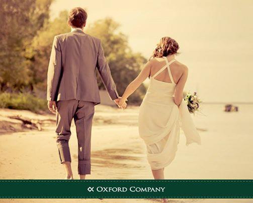 Καλοκαίρι.... και οι γάμοι έχουν την τιμητική τους!  Η άμμος, η θάλασσα και το χαλαρό κλίμα επιβάλλουν στιλ αέρινο και άνετο! Κάντε τις δικές σας επιλογές μέσα από την καλοκαιρινή collection της Oxford Company http://www.oxfordcompany.gr/