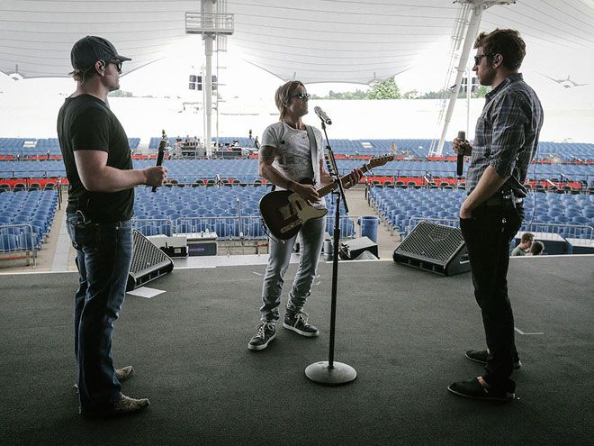 """Jammin' with Brett [Eldredge] and Jerrod [Niemann] at soundcheck on the Raise 'Em Up Tour,"" Urban ..."