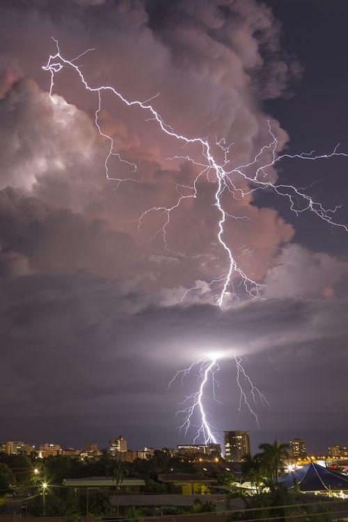 Darwin (Australia) Lightning (by Mick Gibson)