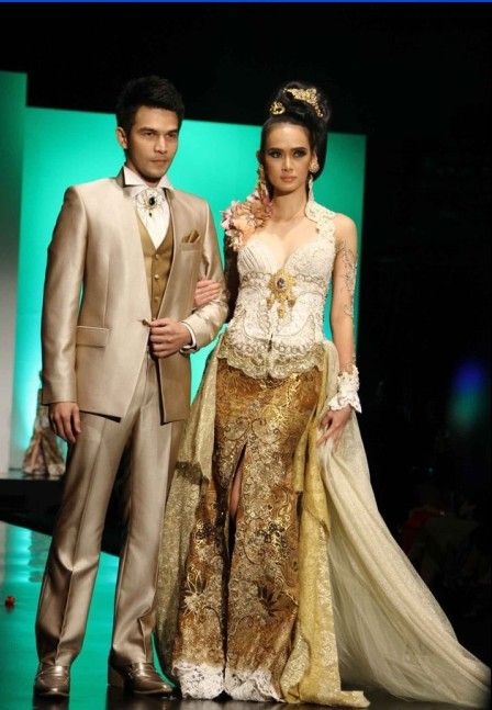 Modern Anne Avantie Kebaya Fashion Show 2012