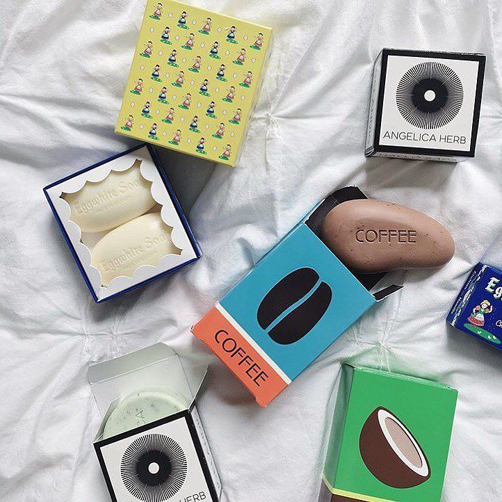 @kalastylesoap: 🍳🌿☕️🌴: Friends with benefits (😉) collection of Kalastyle Soaps: 1.) Best 5 Minute Facial ~ Eggwhite Soap, 2.) Ultra calming and soothing ~ Icelandic Angelica Herb Soap, 3.) Antioxidant-rich mood-boosting Coffee Soap, and 4.) Hella-hydrating dreamy vacay-scented Coconut Soap. All are available on line to order (tap link in profile). Great pic from beauty babe: @mermaidwaves 🌿
