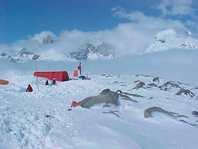 Refugio Chileno en Campos de Hielo Sur