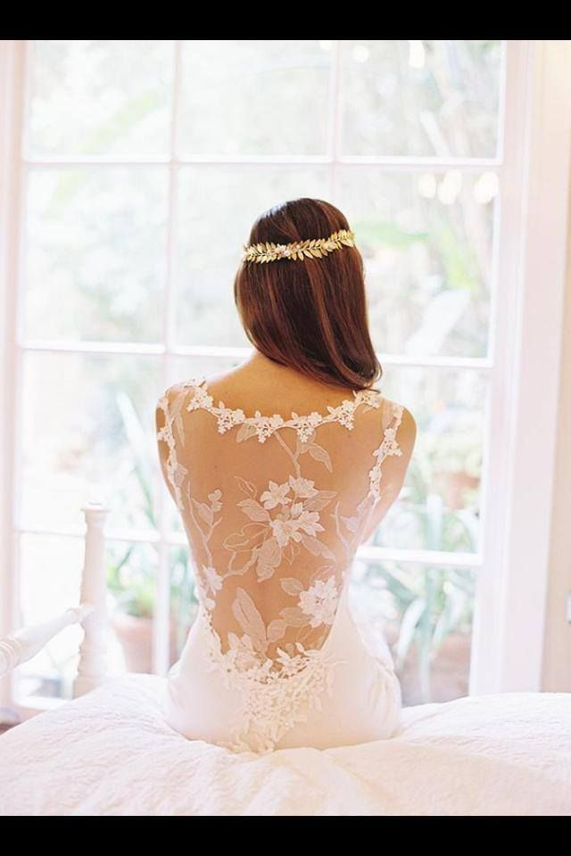 SC - Wow, if little one ever wants backless dress, I'd show her this. Very pretty! So feminine - as to be Claire Pettibone???
