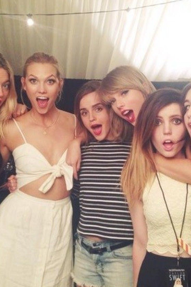 This Photo Of Taylor Swift And Emma Watson Is More Magical Than Hogwarts