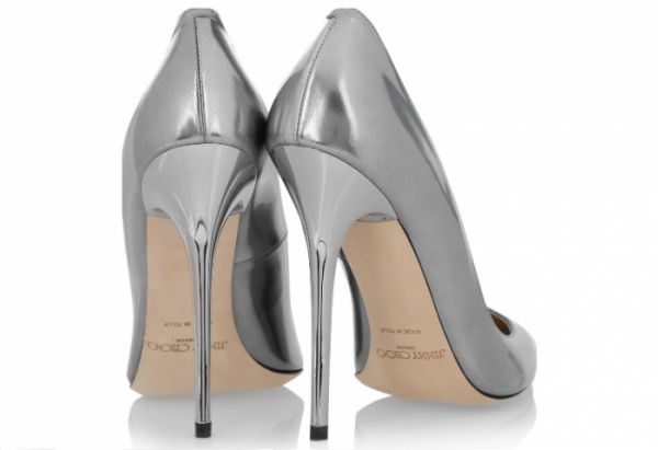 LOVIN' IT: ZILVEREN PUMPS