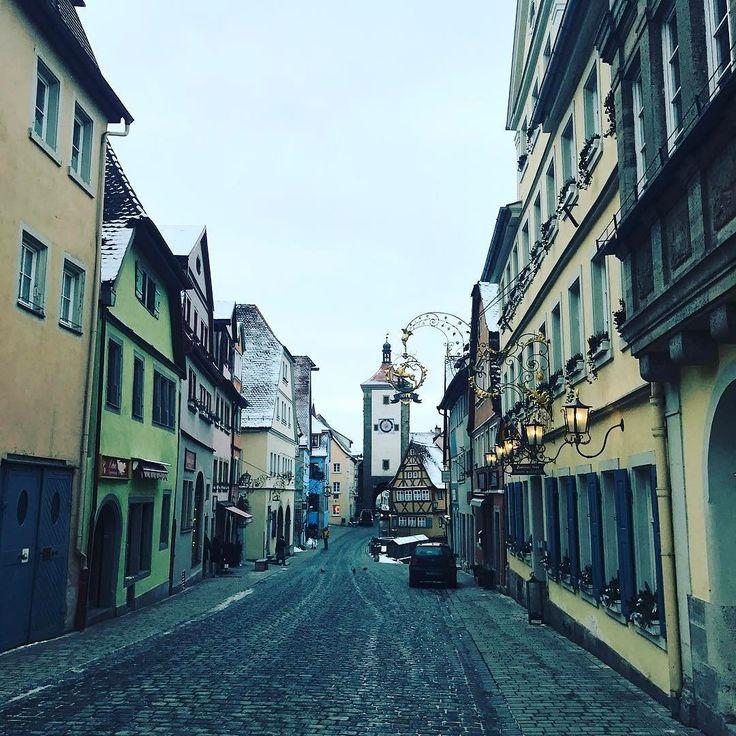 Старинные улочки Ротенбурга  #ротенбург #утро #германия #путешествие #январь #rothenburg #germany #travel #deutschland