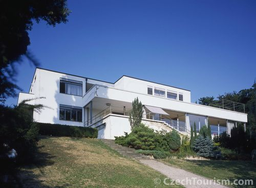 Mies van der Rohe, Tugendhat House. In 1928, there were 2 revolutionary individual houses : the Villa Savoye and this one.