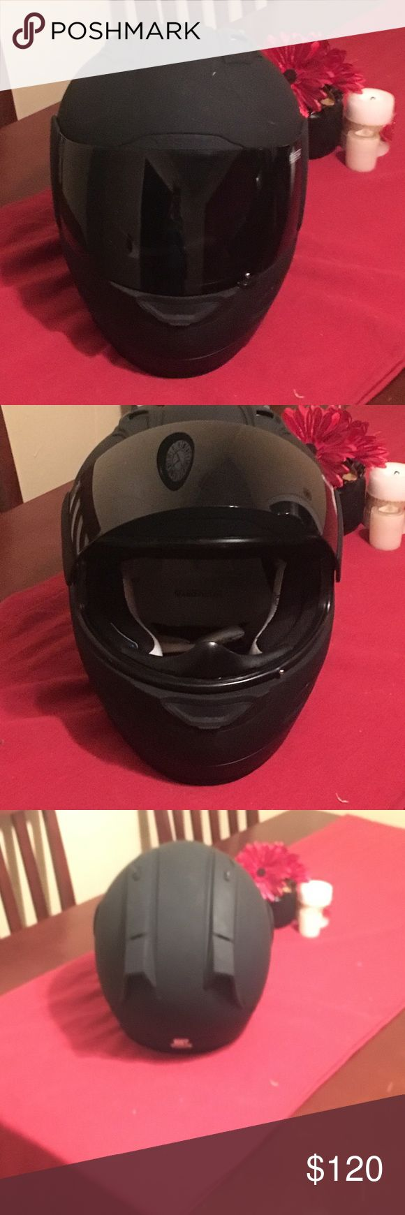 Black motorcycle helmet Icon helmet very good condition icon Other