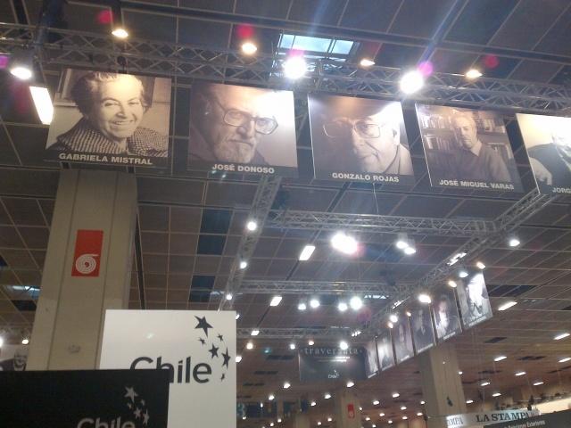 Sguardi dallo stand del Paese ospite, il Cile