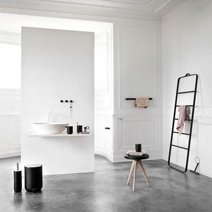 Dream Bathroom!  top3 by design - Menu - towel ladder black-dark oak