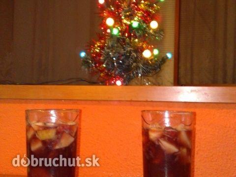 Voňavý vianočný ovocný punč