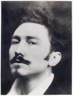 Ezra Pound looks a little disturbing here..he looks like somebody that would commit treason.!