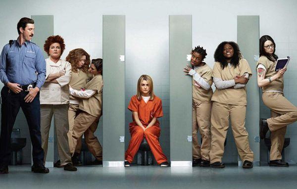 Orange is the new black è il dramedy targato Netflix che tratta il genere del prison movie con i toni agrodolci della comedy, senza mai scivolare nell'ovvietà del dramma.