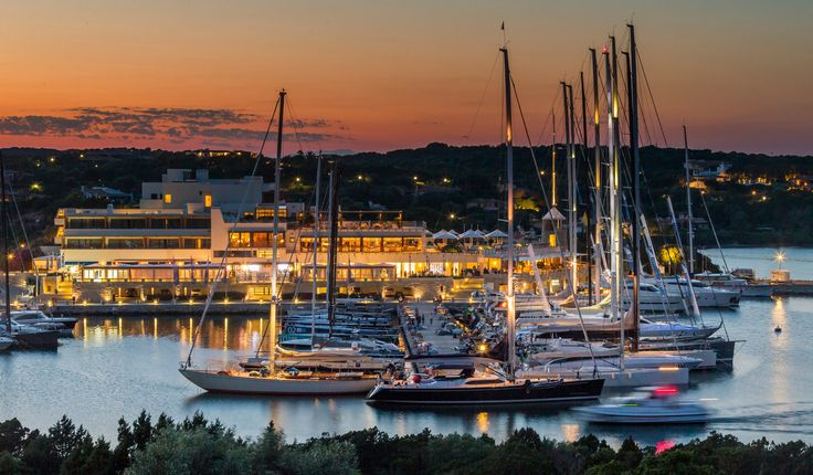 Founded in 1967, the Yacht Club Costa Smeralda, host of the Maxi Yacht Rolex Cup race, is setting pace for its elders.