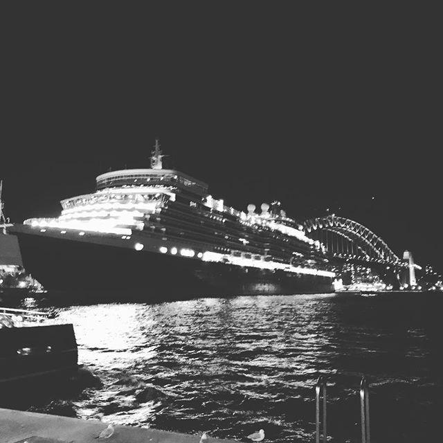 Always A Great Sight To See Cruise Ship Next The Bridge Queen Elizabeth