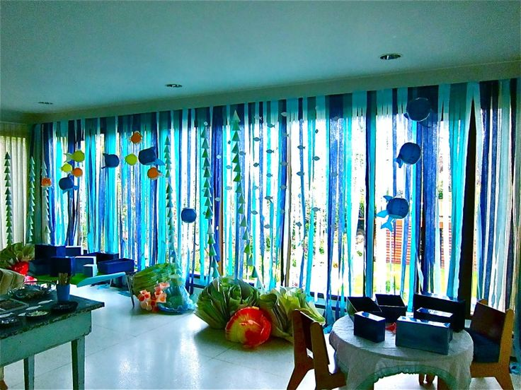 Easy peasy Grand Barrier Reef decoration for VBS.  I am so doing this one!