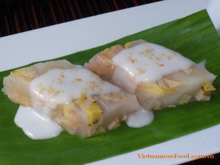 Vietnamese Food: Steamed Banana Cake with Coconut Milk (Bánh Chuối ...