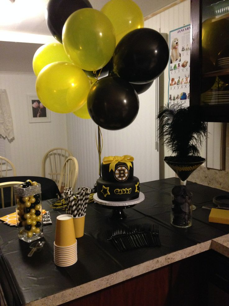 Party table for a girls Boston Bruins party.