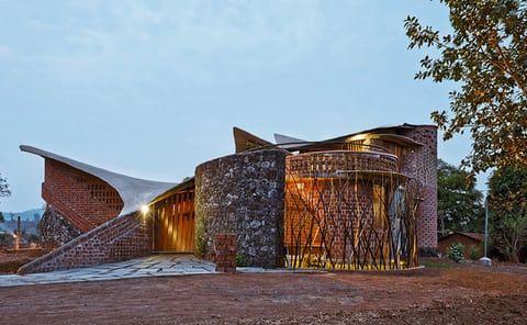 Brick House by IStudio Architecture, Maharashtra, India