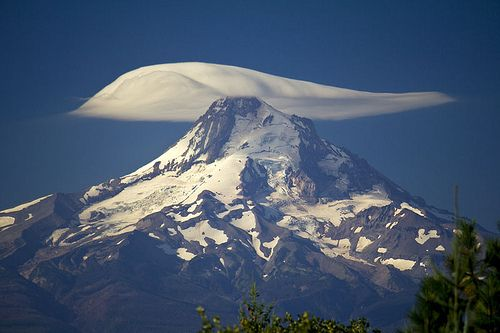 """Lenticular cloud"" - a sweet soft blanket for the mountain; ice crystal burr to us ~:^]>"