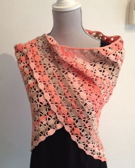 A wrap for the summer. This is for sale: € 15.00