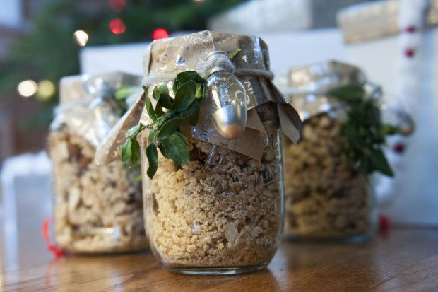 Granola Recipe {Perfect holiday gift} - Red Stamp