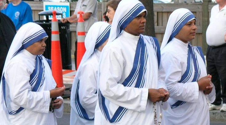 ROMA, 04 Mar. 16 / 10:10 am (ACI).- Cuatro religiosas de las Misioneras de la Caridad, la Congregación fundada por la Beata Madre Teresa de Calcuta, fueron masacradas este viernes junto a otras doce personas –varios de ellos ancianos-, por presuntos terroristas que ingresaron al convento de Aden (Yemen), donde funciona el albergue de ancianos que administran las monjas.