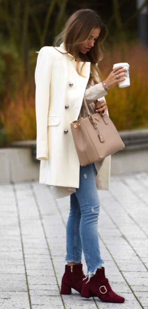stylish look | white blazer + nude top + bag + jeans + boots