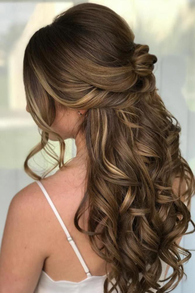 Girly Half Up Half Down With Disobedient Waves To Embrace Your Beauty #halfuphalfdown #longhair #wavyhair #ShortPromHairstyles