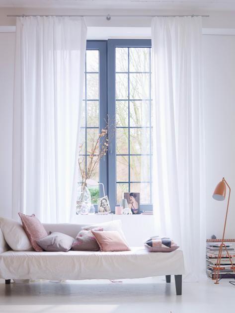 Mit diesen Vorhang- und Rollostoffen wird Ihr Zuhause noch wohnlicher. Wir zeigen die Stofftrends für Frühjahr und Sommer!