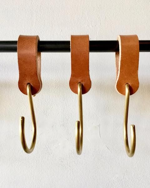 Ludlow Leather Hooks / Set 6