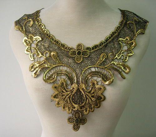VK312 Vintage Floral Collar Neck Lace Venise Applique Black Gold