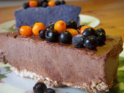 Raw food cheese cakes. Vegan, gluten, sugar free
