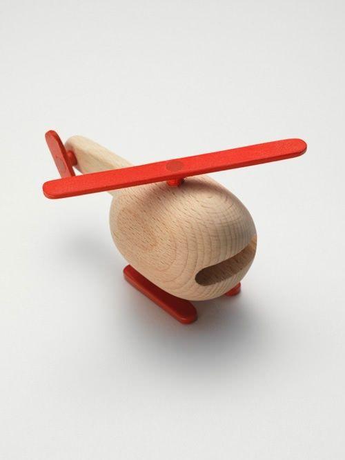 Juguete de madera de inspiración nórdica / Nordic-inspired wooden toys