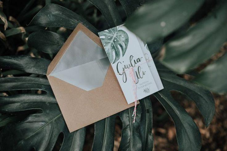 Hochzeitseinladung tropisch, monstera, flamingo, greenery, grün, green wedding  http://zartmint.de