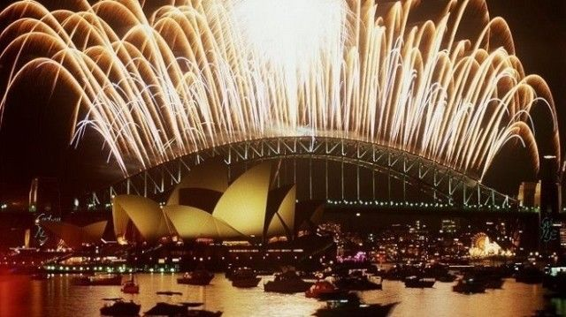 TOP LUXURY TRAVEL DESTINATIONS FOR 2014 NEW YEAR'S EVE. http://www.designcontract.eu/events/top-luxury-travel-destinations-for-2014-new-years-eve/