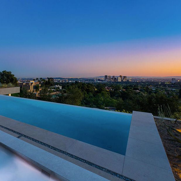 Infinity Pool And Los Angeles View From This Beverly Hills Mansion At 1360 Summitridge Place