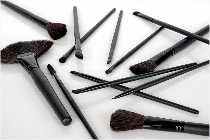 Ich liebe Farbakzente und habe mir vier Möglichkeiten ausgedacht, wie man helles Make-up verwendet, wenn …   – Best Makeup